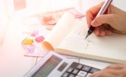 Räkna ut vinstskatten för försäljningen av villa med avdrag för renovering- och försäljningskostnader